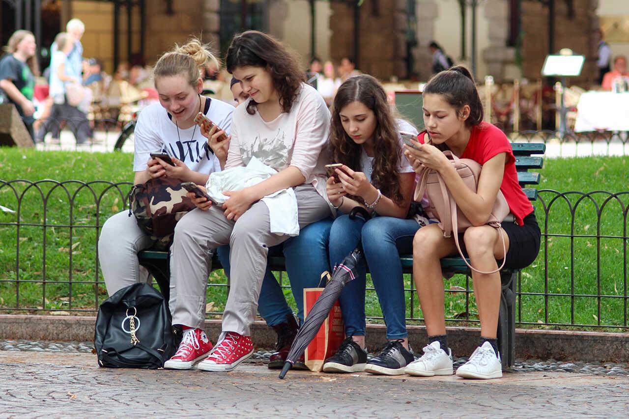 Sindromul boala telefonului mobil