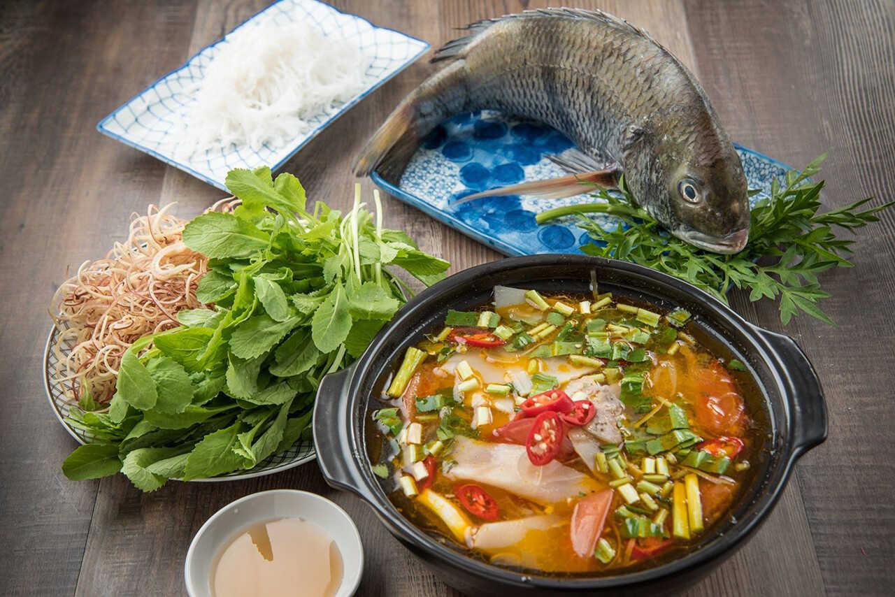 Ciorbă de peşte acrită cu zeamă de varză