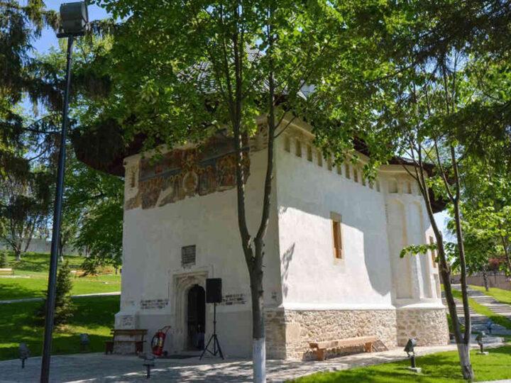 manastirea-cosula